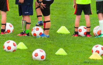 Seniorenteams VV Buitenpost adopteren jeugdteams